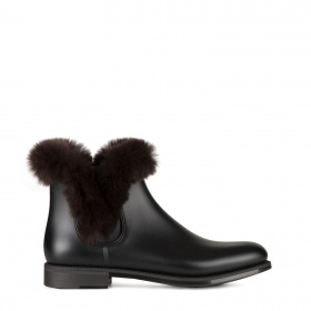 Rubber boots with fur
