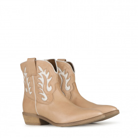 Pointed toe Western Ankle boots