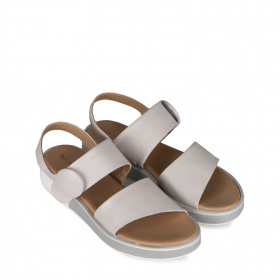 Leather sandals with button
