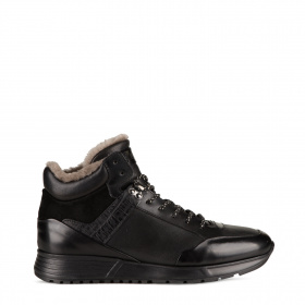 Men's sports boots with shearling