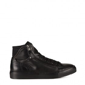 Men's sport boots with shearling